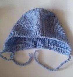 Шапочка вязаная голубая с завязками, 100%  мериносовая шерсть 46 см, 48 см, 50 см